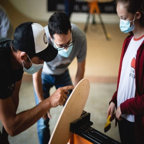 During the mini-cruiser board build workshop 🛠️ you can learn many tips!⠀ Each board is made up of 7 layers of maple veneer 🔥 ⠀ . ⠀ You can also build your own board at home using one of our skateboard building kits available on our website (link in bio) 🛹⠀ .⠀ Photo credit to 📷 theruleof3_ 🔥🤙⠀ ⠀ #skateboardkit #handmade #minicruiser #veneer #skate #wood #buildyourboard #maple #diyskateboard #atelier #workshop #buildyourown #doityourself #create #skateboards #woodworking #dreamit #makeit #rideit #roarockitskateboardeurope